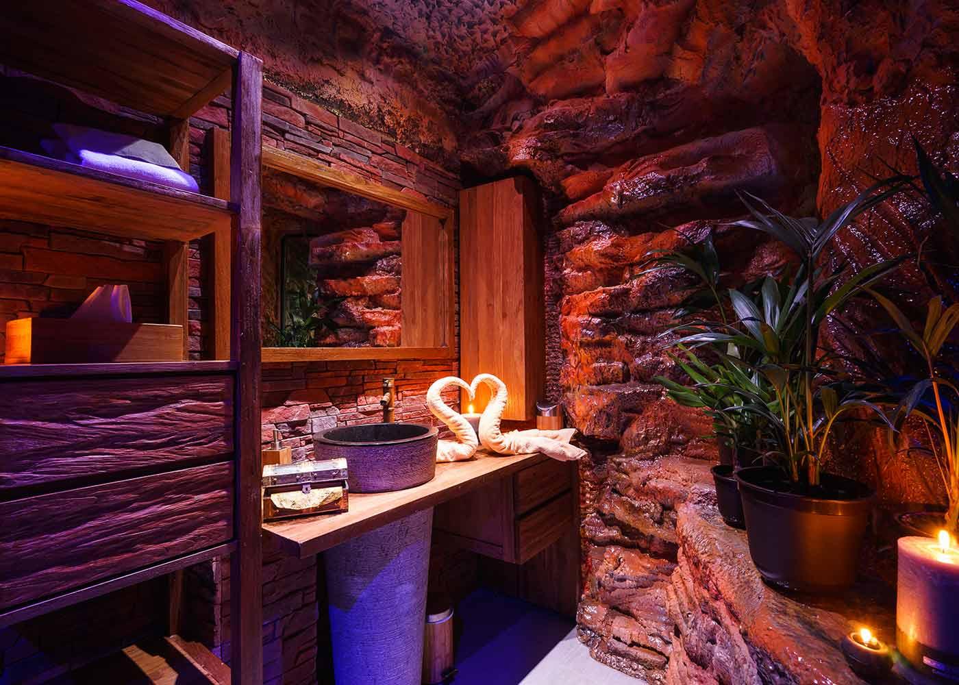 Premium Deluxe Suite Tropfsteinhöhle Bad