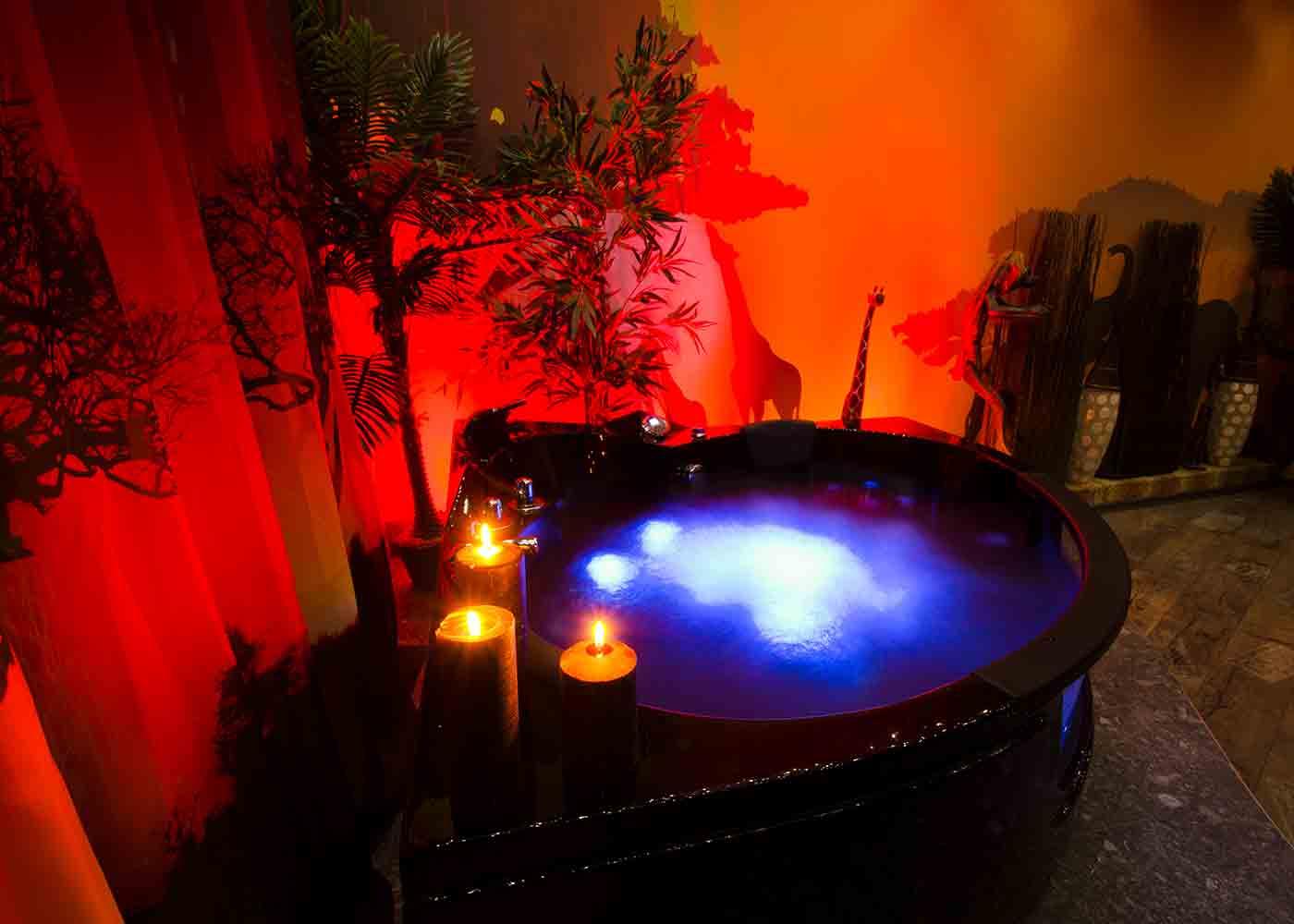 afrika-lounge-innen-pool